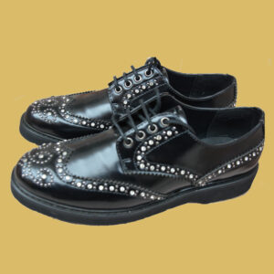 SCARPA NERA LONDON CON BORCHIE